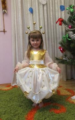 Как украсить детское платье бусинами своими руками фото 2