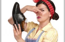 Как вывести запах из обуви в домашних условиях