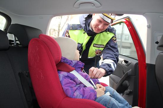 Как выбрать автолюльку для маленького ребенка