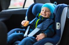 Штраф за отсутствие детского кресла в 2021 году, таблица. Наказания для водителей и таксистов